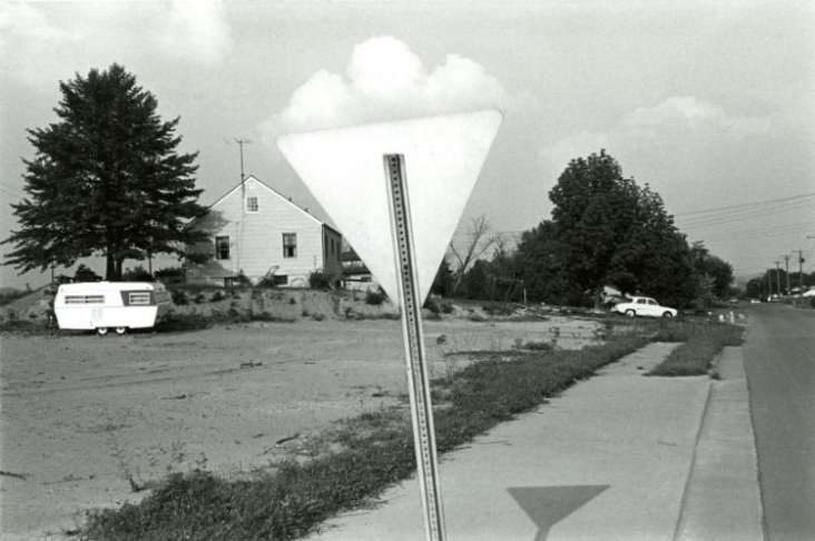 Knoxville Tennessee, 1971 by LEE FRIEDLANDER